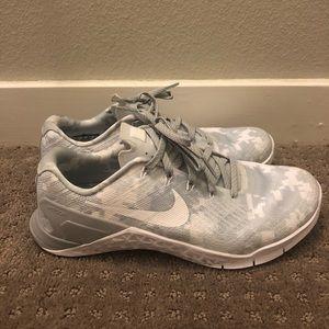 Almost Brand New Nike Metcon 3 White Camo